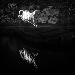 6N2A5535 (karl101) Tags: light reflection water night canal led