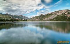 DSC02106.jpg (avi_olmus) Tags: espaa primavera agua paisaje pantano nubes reflejo es montaa catalua filtros lrida camarasa p2404 largaexposicion santllorencdemontgai