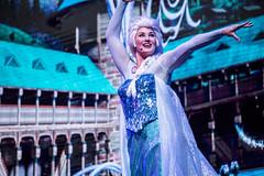 Queen Elsa (quietvillagers) Tags: frozen disneyworld waltdisneyworld elsa princessanna hollywoodstudios disneyshollywoodstudios disneysfrozen queenelsa frozensingalong
