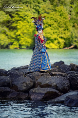 Yvoire - #20 (cedric.chiodini) Tags: carnavalyvoire yvoire masque costume eau flash cobra strobe canon5dmkiii canon