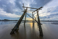 Straight to the Sunset (manhtoan1994) Tags: wood sunset sun water canon fishing asia afternoon cloudy sony south vietnam nd 12mm ultrawide iv hitech 2mm firecrest 6stops gocong mirrorless metabone 1124l a7rii