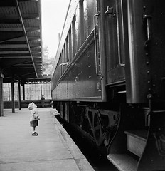 Bye Bye Little One. A hand waves goodbye to a little boy from a Philiadelphia bound train in 1958. [980x1013] #HistoryPorn #history #retro http://ift.tt/28ITSIV (Histolines) Tags: from boy history train one waves hand little retro 1958 timeline goodbye bye bound philiadelphia vinatage a historyporn histolines 980x1013 httpifttt28itsiv