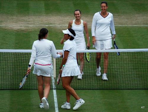 Gigi Fernandez - Martina Hingis & Lindsay Davenport win