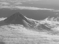 Mt Hood, OR (Dialed-in!) Tags: light shadow bw white mountain snow black ariel clouds oregon spring wind or minimal fromabove blanket mthood summit lookingdown fromanairplane dialedin thechallengefactory thepinnaclehof tphofweek148