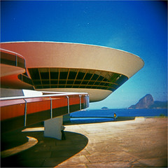 niterói (thomasw.) Tags: travel brazil 120 southamerica rio brasil analog holga cross brasilien mf crossed südamerika nitertoi