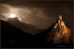 ...e la luna spunt.... (Caprona- PI) (leon.calmo) Tags: canon nuvole luna pisa toscana monti notturno dirupo torretta caprona eos50d micarttttworldphotographyawards micartttt bestcapturesaoi leoncalmo elitegalleryaoi