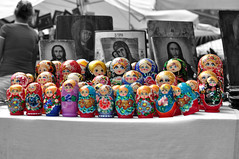 Matrioske. (itsOriana_) Tags: russia bologna piazza mercato antiquariato est matrioska mercatoantiquariato piazzasantostefano matrioske tdays