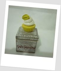 Caixinha em MDF com cupcake carambola (Atelie Doces Fofuras) Tags: mdf caixinha lembrancinhas