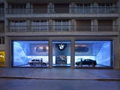 Grand Opening of new BMW Brand Store in Paris (upcomingvehiclesx) Tags: auto paris frankreich europa fenster led showroom dmmerung blau carbondale parkplatz glas neu 2012 fassade boden gehweg flagshipstore strase naturstein querformat 21jahrhundert ledwand ausen xlauswahl elektrischschaltbareverglasung pfostenriegel