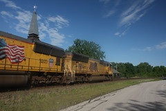 53472 (richiekennedy56) Tags: usa lawrence unitedstates kansas unionpacific sd70m railphotos up3887 douglascountyks up5145 donballcurve