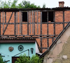 ... but there is some hope! (:Linda:) Tags: brick abandoned germany town decay thuringia halftimbered hildburghausen