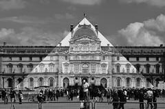 JR_9522 muse du Louvre Paris 01 (meuh1246) Tags: streetart paris jr musedulouvre pyramidedulouvre paris01
