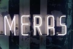 Neon Meras 02419 (Omar Omar) Tags: california lighting ca camera usa america photography lights neon glendale mona muse electricity museo electricidad fotografia camara lumieres californie usofa elektro museumofneonart glendaleca glendalecalifornia focos electricit bombillas notlosangeles muzeo artedeneon artesdeneon