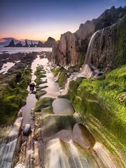 """La Playa"" (bertigarcas) Tags: espaa seascape musgo beach marina sunrise landscape spain asturias playa paisaje olympus amanecer zuiko omd haida 918 em5 gueirua"