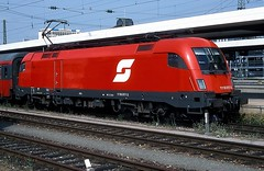 1116 017  Nrnberg Hbf  10.07.03 (w. + h. brutzer) Tags: analog train austria sterreich nikon eisenbahn railway zug trains locomotive taurus bb nrnberg lokomotive elok 1116 eisenbahnen eloks webru