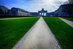 Arcade du Cinquantenaire in Brussels, Belgium (` Toshio ') Tags: park brussels monument museum europe european belgium path europeanunion parcducinquantenaire toshio arcadeducinquantenaire xe2 fujixe2
