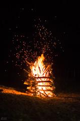 Sparks (Paulo Nunes Jr.) Tags: fazenda pedro sojoo cidadesnordestinas fogueira