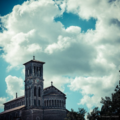 Toscana atlantica (Alexandre DAGAN) Tags: france color colour colors square colours walk panasonic couleur squared carré balade clisson loireatlantique lx100 panasoniclx100 dmclx100