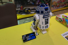 New Lego R2-D2! (The Acquaintance Crate) Tags: new by bay lego bricks r2d2 2012 bbtb