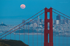 Supermoon on San Francisco (flopper) Tags: sanfrancisco moon skyline dusk goldengatebridge moonrise coittower sanfranciscobay bluehour transamerica sanfarncisco marinheadland internationallandmark perigeemoon sanfarnciscobay supermoon