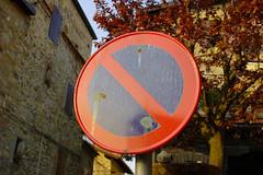 Divieto di sosta (fiat1100d) Tags: sign vintage noparking segnale sosta divieto segnaleticastradale