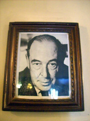 C S LEWIS IN THE EAGLE & CHILD - OXFORD