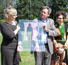 In het bijzijn van auteur Kristien Van den Bon werd de nieuwe Borstkliniek in het Jan Palfijnziekenhuis geopend