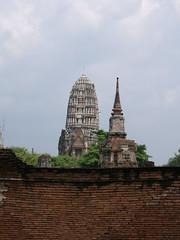 Wat Phra Ram (oldandsolo) Tags: thailand buddhism tourists wat siam ayutthaya chedi buddhistshrine watmahathat kingdomofsiam watphraram ancientthailand buddhistfaith ancientthaicapital thailanayutthaya indonesianstyletemple