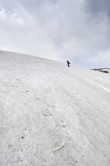 Rider (Sunil Parashar) Tags: india snow storm man trek fun amazing slide riding 1224mm f4 himachal kullu yhai sarpass nikond7000