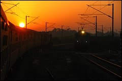 Good Morning WAG-7! (Ankit Bharaj) Tags: sun sunlight india against silhouette speed train canon golden is high indian rail 100 express railways shining rath ankit sx dhanbad garib orrisa cuttack irfca vishakhapatnam wdm3a bharaj vskp bhubaneshwer