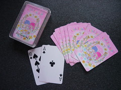 LITTLE TWIN STARS cased playing cards (My Sweet 80s) Tags: japan vintage notebook hellokitty sanrio 80s 70s kiki stationery lala lts 90s collectibles vintagestyle anni70 madeinjapan littletwinstars cased stationaries vintagestationery anni80 vtg kikilala cartedagioco anni90 sanriocharacters kikielala cartoleriavintage playingcardssanrio