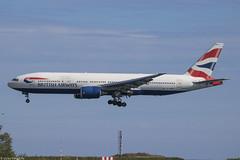 British Airways - Boeing 777-236(ER) - G-YMMR (Hamon Victor) Tags: uk sky london plane canon airplane eos airport nice europe european aircraft aviation victor landing londres ba boeing 777 spotting airliner avion baw lgw 772 hamon b777 spotter lfmn 777200er b772 avgeek 777236er gymmr 760d eos760d ba2624 lgwnce