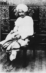 Gandhi_Kheda_1918 (manwoman2) Tags: india gujarat kheda hparchmahatmagandhibapufreedomfighterkheda