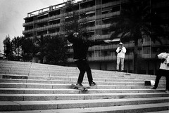 Craig one-foot stair ride with tinnie (chris_dale44) Tags: barcelona new bw film beer 35mm photography 400 skate skateboard push pushed ilford praktica 125 mtl3