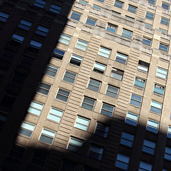 (fotovisiva) Tags: nyc newyorkcity windows sun ny newyork architecture explore sole architettura finestre fotovisiva
