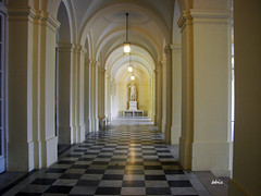 Architecture (bbic) Tags: statue architecture hall arcade icon marble clearance palate