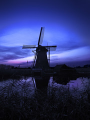 DSCN3006 Kinderdijk (pinktigger) Tags: blue holland netherlands windmill dutch night dusk nederland kinderdijk molen imagesincity ruby10 ruby5 rememberthatmomentlevel4 rememberthatmomentlevel1 rememberthatmomentlevel2 rememberthatmomentlevel3