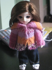 Miela in hoodie and jeans (Lubelle90) Tags: donut bjd ae asleepeidolon