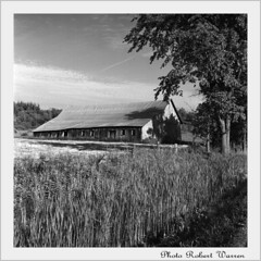 La grange au foin coup...(argentique)/ The barn with the cutted hay...(film) (Pentax_clic) Tags: 120 film rollei model quebec retro d76 f argentique 400s blancetnoir ciroflex vaudreuil