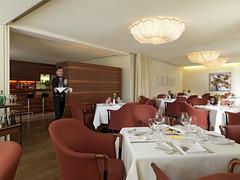 andy_sillaber_restaurant (andysillaber@ymail.com) Tags: andy restaurant hotel essen gasthaus tische stuehle kellner servieren kellnern sillaberandyfotograffotoprofessionellefotogafie
