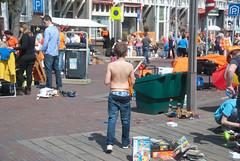 2012 Qday-2.jpg (Zandvoort Life) Tags: orange holland netherlands junk nederland 2012 queensday koninginnedag zandvoortaanzee saggerboy secondhandsale