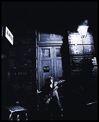 Ziggy plays guitar (Harald Haefker) Tags: music records photo promo musik 1970s 1972 rca davidbowie ziggystardust spidersfrommars theriseandfallofziggystardustandthespidersfrommars
