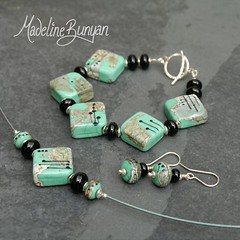 """Deco rocks set in green • <a style=""""font-size:0.8em;"""" href=""""https://www.flickr.com/photos/37516896@N05/7251235756/"""" target=""""_blank"""">View on Flickr</a>"""