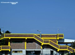 Yellow (Emanuele Usicco - www.emanueleusicco.it) Tags: yellow giallo scala