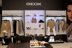 Geox (thinkretail) Tags: store magasin laden tienda footwear boutique negozio geox productinnovation flaghsip mariomorettipolegato geoxbreathes summer2012