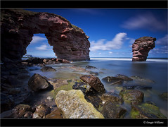 Thorntonloch Rock (Dougie Williams) Tags: longexposure blue landscape scotland landscapes seascapes horizon lee eastlothian longexposures torness digitalcameraclub dunglass thorntonloch bigstopper nd10stop leebigstopper landscapephotographymagazine musselburghcameraclub