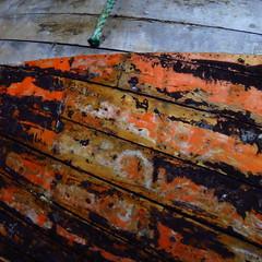 Schiffskrper - boatsurface (Ellen Ribbe) Tags: wood orange black boot boat ship surface peelingpaint holz schiff schwarz dockyard flensburg oberflche planken museumswerft bltternderlack