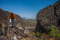 CO_Chapada0231 (Visit Brasil) Tags: travel brazil tourism nature horizontal brasil natureza unesco adventure chapada cavalcante ecoturismo vegetao ecotourism centrooeste penhascos comgente diurna pontedepedra visitbrasil