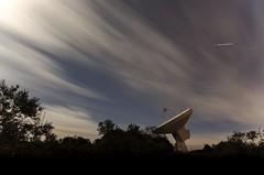 Astronomico (Mariano Sanz) Tags: radio noche nikon ufo nubes estrellas nocturna tamron espacio antenas busqueda extraterrestres astronomico bajolasestrellas tamron1024 nikond5100 radioantenas