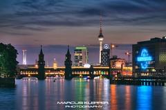 Berliner Sommer Abend (Marcus Klepper - Berliner1017) Tags: sunset sky reflection berlin skyline night clouds deutschland abend hauptstadt himmel wolken fernsehturm spree spiegelung speicher oberbaumbrcke universalmusic osthafen mediaspree